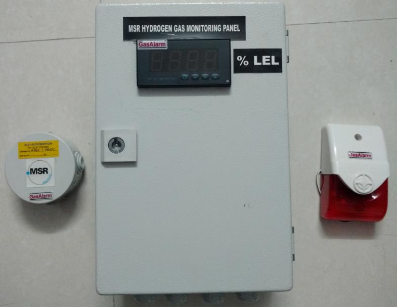 H2 sensor transmitter with display controller panel